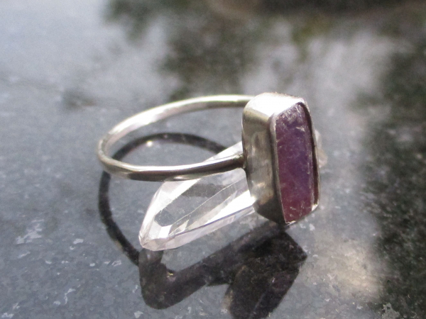 Druzy Geode Ring in Sterling Silver Size 8 Raw Stone Crystal Red and Black Tabas