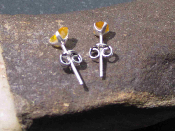 Raw Blue Apatite Ring Size 8 Handmade Bar Crystal Stacking Ring for Women in 925