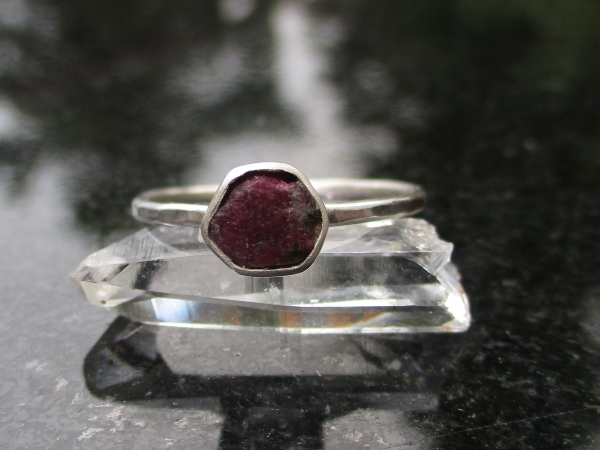 Size 6 Handmade Raw Ruby Crystal Stacking Ring in Sterling Silver With Thin Hamm