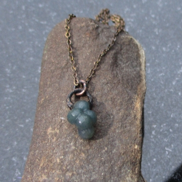 Grape Agate Crystal Cluster Necklace Green Chalcedony Jewelry  Raw Stone Layering Necklace with Small Stone Copper Electroformed Pendant
