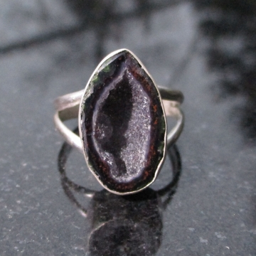 Geode Ring in Sterling Silver Size 7.5 Split Band Black Stone Druzy Tabasco Geode Gemstone Jewelry