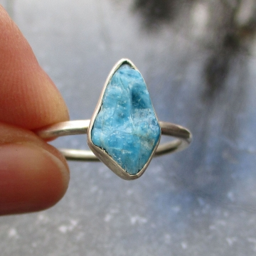 Raw Blue Apatite Ring Size 9 925 Sterling Silver Crystal Gemstone Stacking Ring for Women