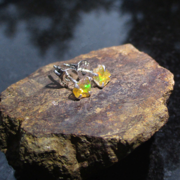 Raw Amethyst Silver Ring Size 8  Purple Crystal Mini Point Stacking Ring in Sterling Silver February Birthstone