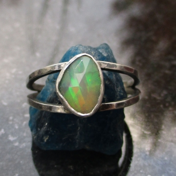 Handmade Opal Silver Ring Size 8 Split Band Natural Ethiopian Welo Opal Gemstone October Birthstone