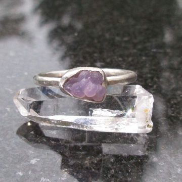 Size 5 Grape Agate Crystal Ring in Sterling Silver Raw Stone Jewelry with Natural Purple Gemstone